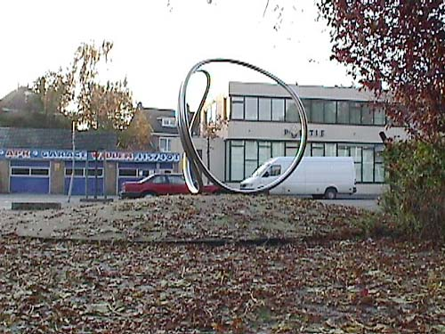 the city of Overschie, Rotterdam Holland and the sculpture of Lucien den Arend - site specific constructions in Overschie