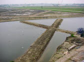 land art - Zwijndrecht-Hendrik Ido Ambacht - Volgerlanden Walburg - site specific sculptures - land art - landscape design - concrete - his art works in cities and landscapes - environmental sculptures